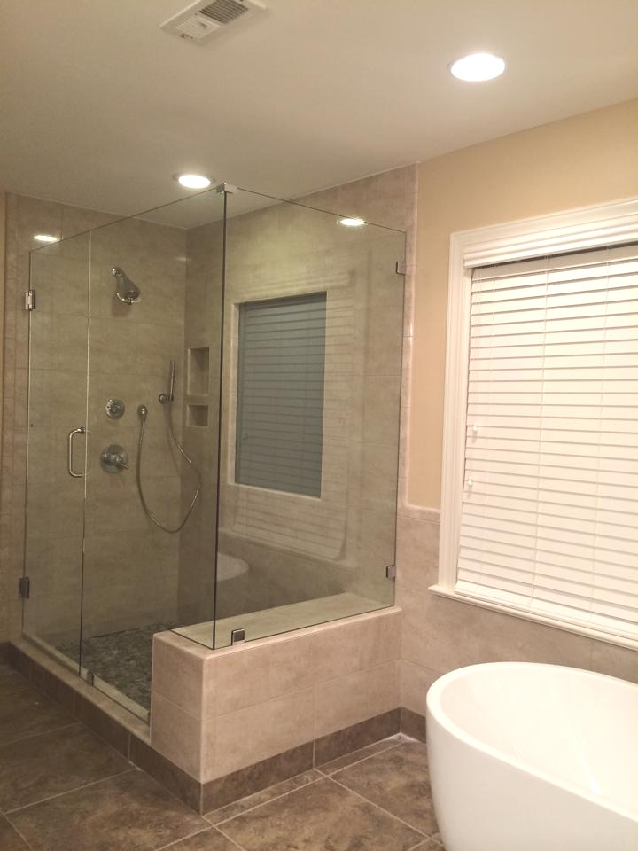 90 Degree Shower And Free Standing Tub – Mia Shower Doors