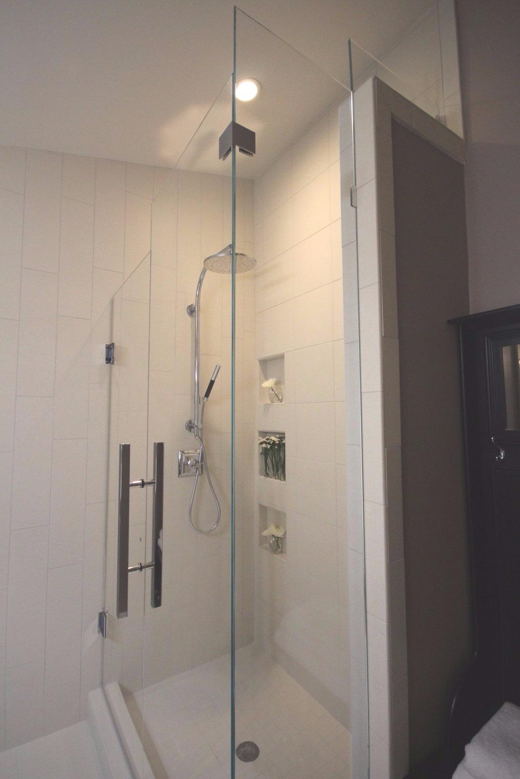 90 Degree Corner Showers – Mia Shower Doors
